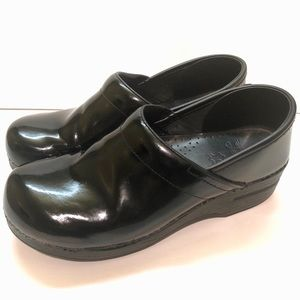 Dansko Black Patent Leather Professional Clog